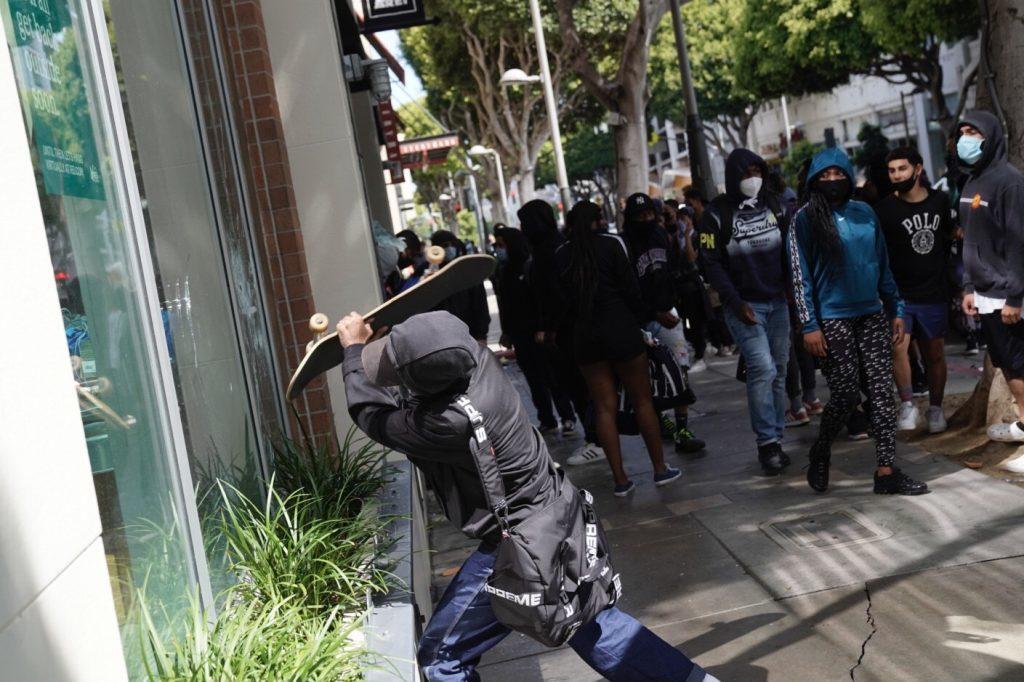 Manifestantes y disturbios en Estados Unidos