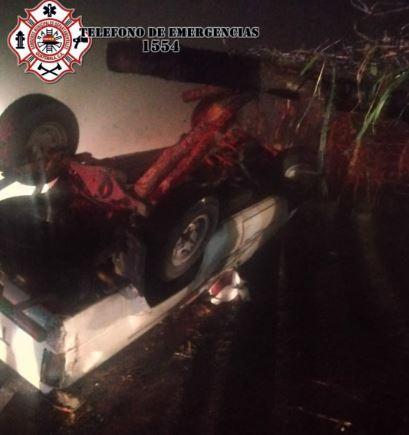 Accidente en la aldea Las Lagunas, San Juan Ostuncalco, Quetzaltenango. (Foto Guatevisión: Bomberos Municipales Departamentales)